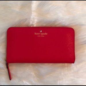 Kate Spade NWOT Cameron St. grain leather wallet
